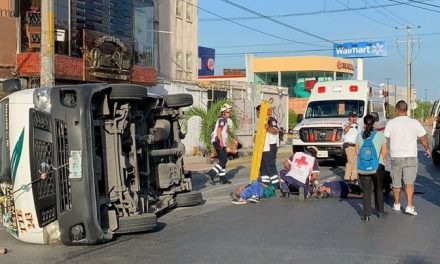 En Cancún, 12 lesionados por accidente de transporte público