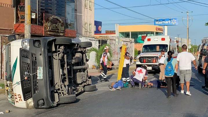 En Cancún, 12 lesionados por accidente de transporte público