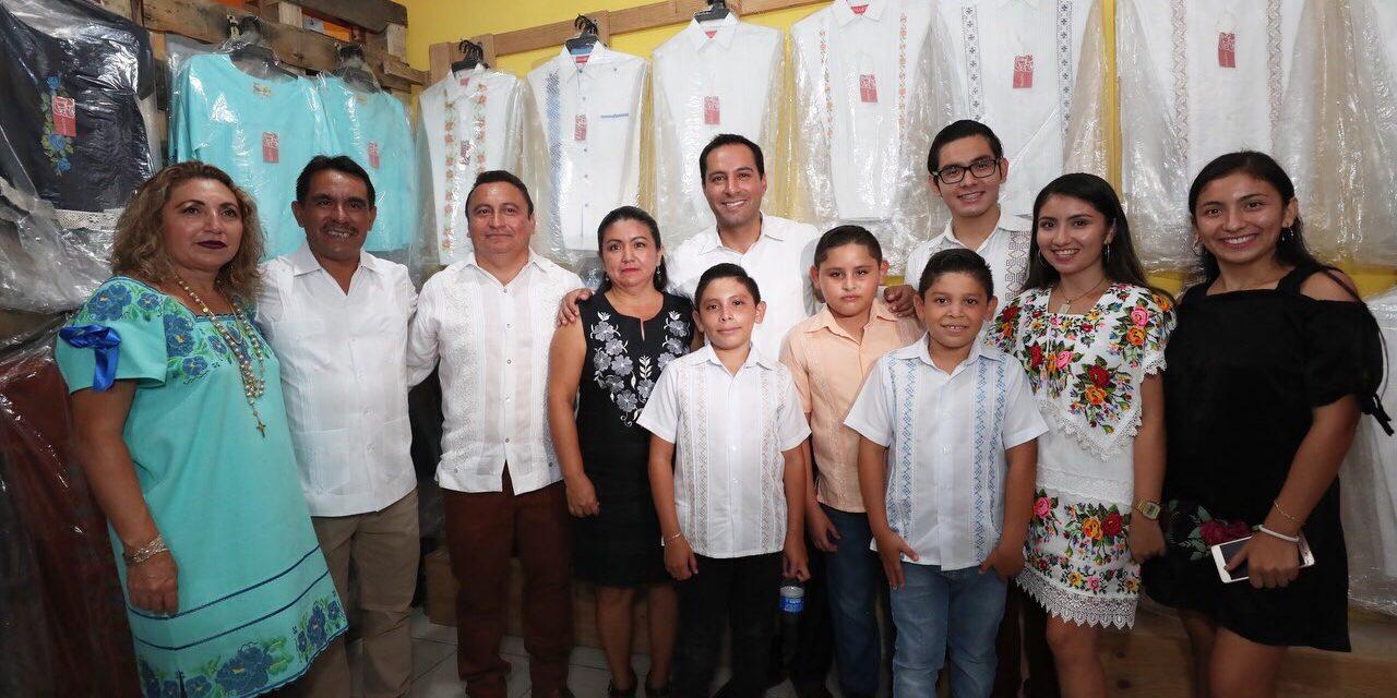 Inaugura Mauricio Vila Dosal la Feria de la Guayabera de Tekit 2019