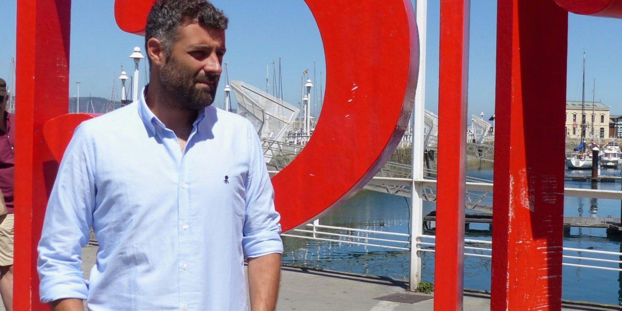 Gana Nacho Carretero premio en Gijón con novela que dará luz a serie en septiembre