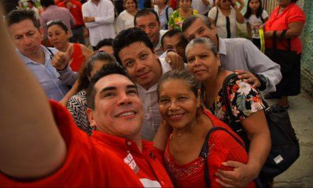 """En tierra de Ivonne Ortega, """"Alito"""" minimiza a su contrincante y dice que ganará"""