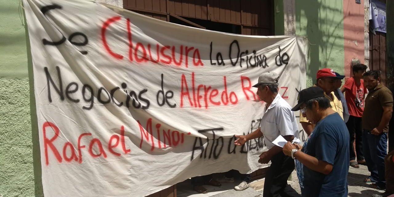 Otra toma de oficina para exigir destitución; ahora en Procuraduría Agraria (Video)