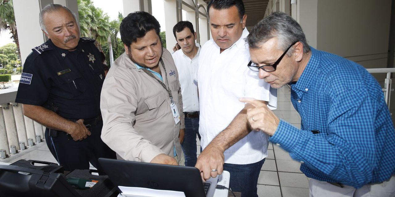 Renán Barrera supervisa equipo especializado para monitorear ruido en Mérida