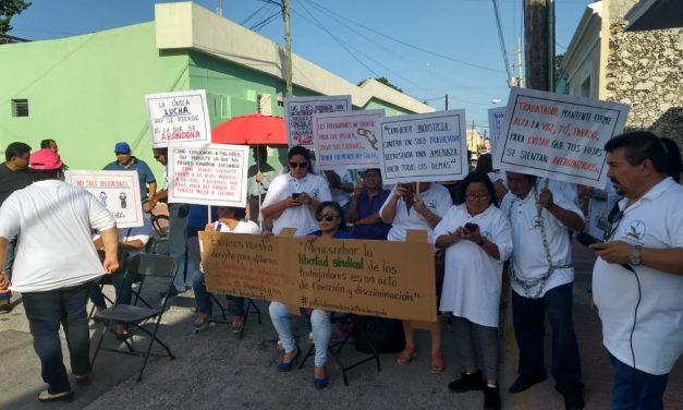 Despedidos de Salud de Yucatán radicalizan protesta (Video)