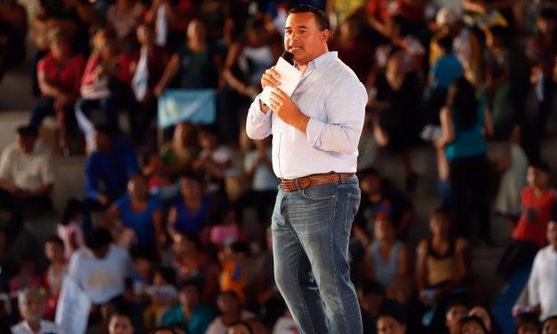 """Presenta Renán """"primer corte"""" de Informe de Gobierno (Video)"""