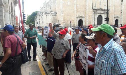 """En planes de nuevo aeropuerto para Mérida, meten manos """"empresarios fifís"""""""