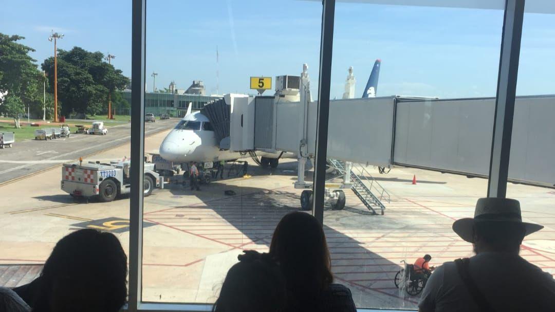 Desvían avión a Minatitlán por emergencia de ex magistrado yucateco