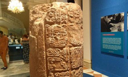 'La Palabra Visible, escritura jeroglífica maya', 80 piezas y narrativa (Vídeo)