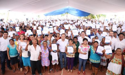 Familias de escasos recursos recibirán 17 mil acciones de vivienda en Yucatán