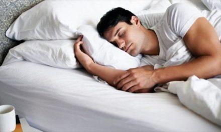 Dormir poco sí es genético