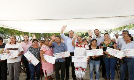 Entregan 56 apoyos de proyectos productivos de comisarías en Mérida