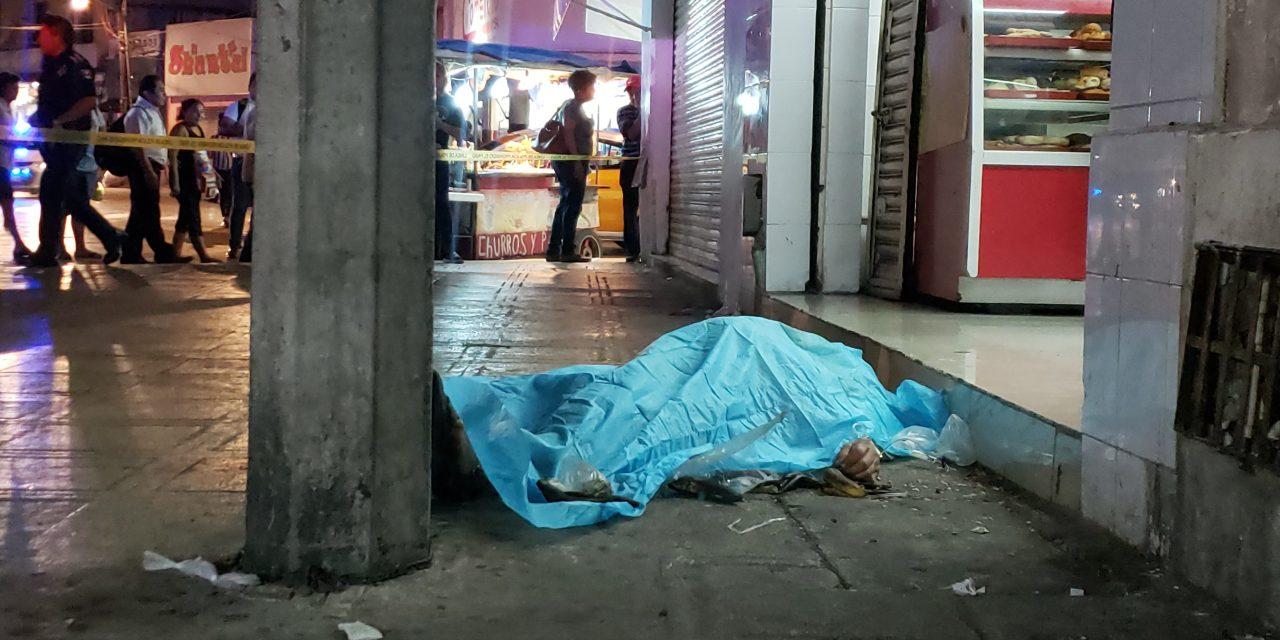 Sorprende muerte a septuagenario en centro histórico de Mérida (Video)