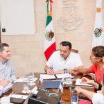 Firma Renán Declaratoria Global por Edificios y Construcción Sustentables