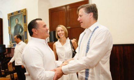 Embajador Christopher Landau con  buenas referencias de Mérida