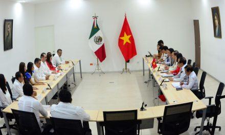 Estrechan lazos e ideas Diputados de Vietnam y Yucatán