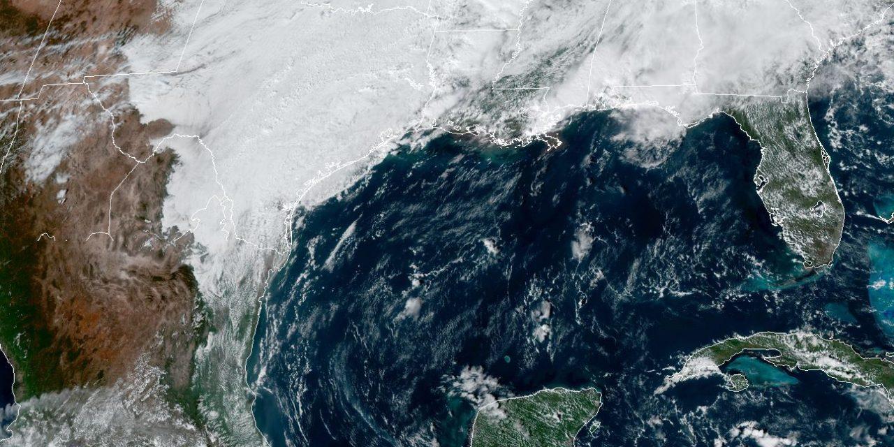 Lluvias y evento de Norte por ondas tropicales e influencia de Frente Frío en Península Yucatán