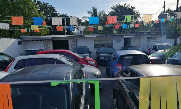 Reporta asalto negocio de autos usados en la Ávila Camacho