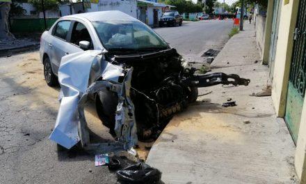 Roba auto al sur de Mérida, huye, choca y lo atrapan (Video)