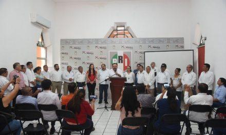 """Líderes agrarios y PRI """"preocupados"""" por menos dinero al campo"""