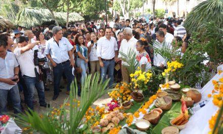 """Ritual Maya en Yucatán en Gran Muestra de Altares """"Hanal Pixán"""""""