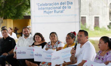 A mujeres de comisarías de Mérida actas constitutivas de cooperativas