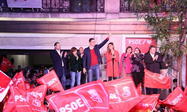Gana PSOE elecciones españolas pero no logra mayoría para gobernar