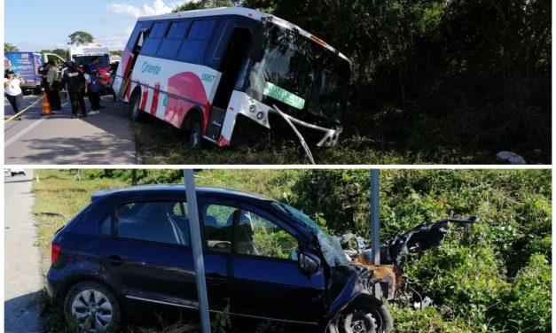 Autobús de pasajeros contra auto; 15 heridos en la Mérida-Tetiz (Video)