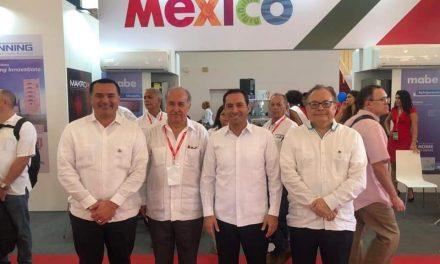 Gobernador Mauricio Vila y alcalde Renán Barrera, en Feria Internacional de Cuba