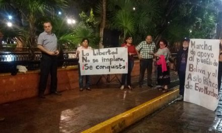 Ahuyenta lluvia en Mérida a simpatizantes de Evo Morales