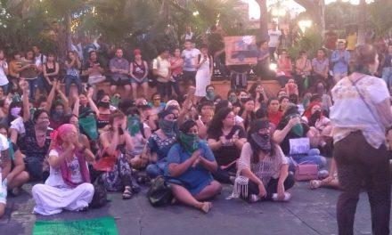 """Se cubren el rostro y condenan """"Estado opresor"""" (Vídeo)"""
