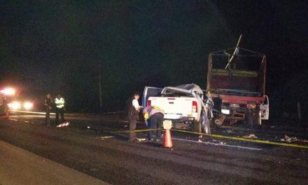 Choca camioneta y muere su esposa en la Mérida-Campeche