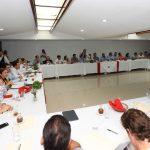 Presenta Vila a industriales negativo panorama presupuestal del próximo año