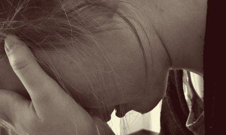 Jóvenes, indefensos ante depresión, adicciones y tabúes (Video)
