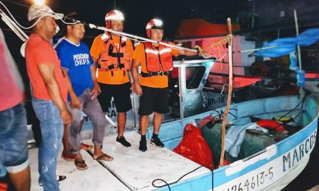 Rescatados pescadores a la deriva al norte de Telchac Puerto