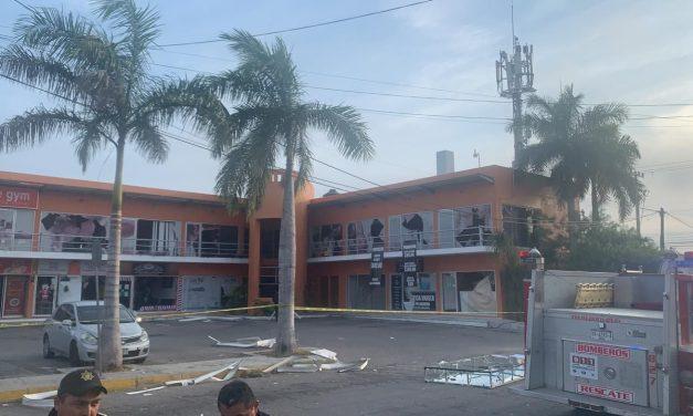 Sacude explosión plaza comercial en Francisco de Montejo