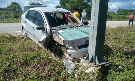 Choca auto en que viajaba y se abre herida de cirugía