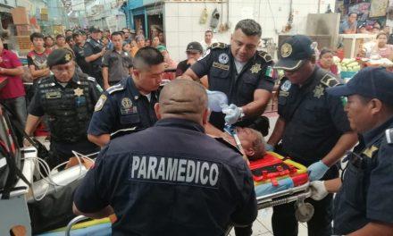 Al borde de la muerte adulto mayor en Mercado Lucas de Gálvez