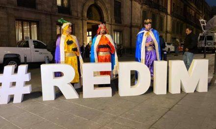 Reyes Magos en Palacio Nacional, con reclamos como 'regalos'