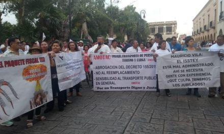 """Llevan """"cóctel"""" de reclamos al gobierno de Yucatán (Video)"""