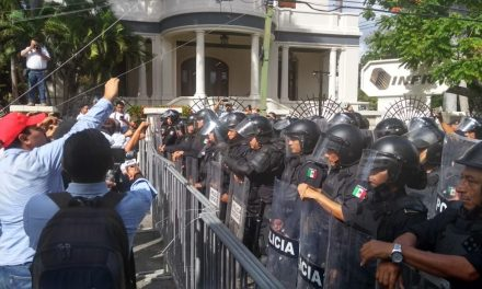 """Identifican a 50 """"agitadores"""" en enfrentamiento con policías (Video)"""