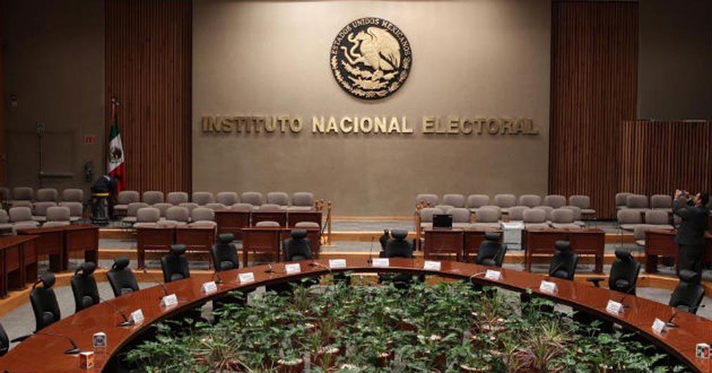 """Mala designación de consejeros del INE abriría """"boquete"""".- Córdova"""