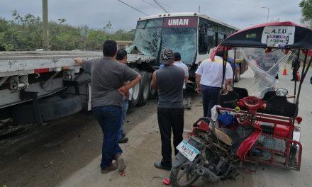 Desquiciado ocasiona accidente en la Umán-Mérida con 17 lesionados