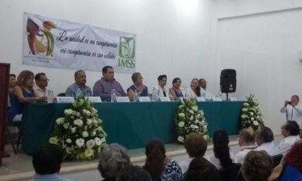 Ahora extrabajadores del IMSS, exigen mejor atención