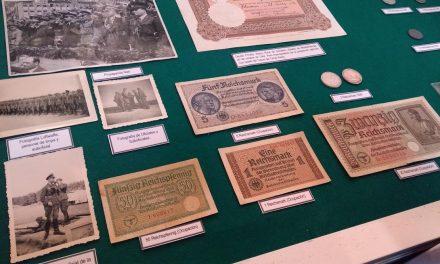 Rara colección yucateca de documentos de la Alemania nazi