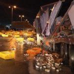 Cargueros con yogurt y pollos chocan en la Mérida-Umán
