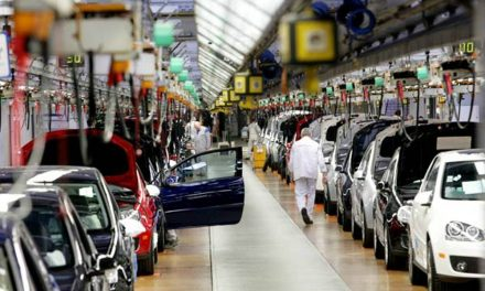 Sigue 'frenada' industria automotriz mexicana