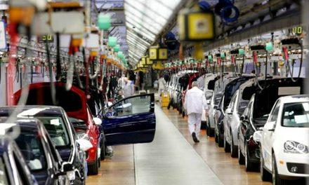 Sigue 'frenada' industria automotriz mexicana