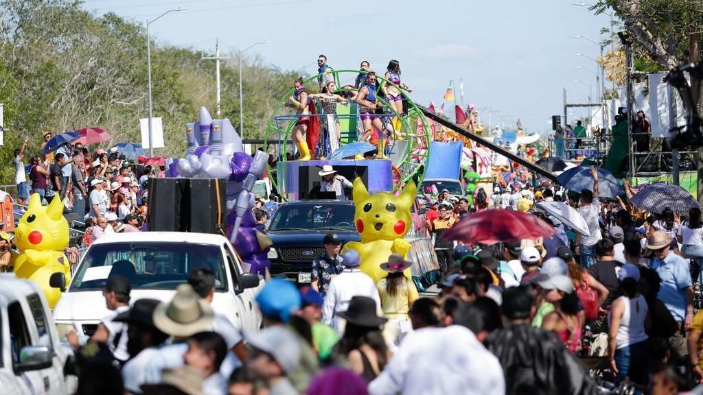 """""""Batalla de Flores"""", con más de 200 mil personas, cierra Carnaval Mérida 2020"""