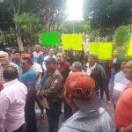 Protestan chatarreros por clausura de sus negocios