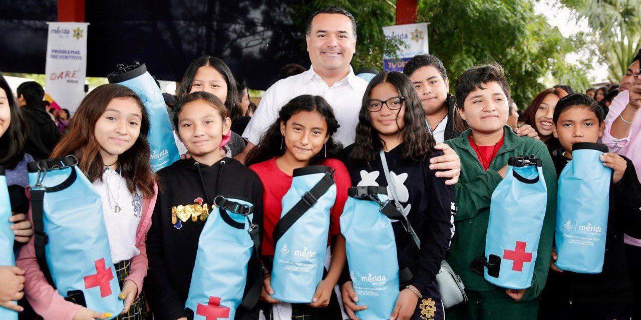 Botiquines de primeros auxilios a primarias y secundarias de Mérida